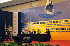 International Seminar Improving Mobility in Urban Areas - Makassar 2014- World Road Association