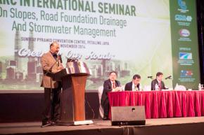 """Séminaire international """"Drainage des talus et des fondations, et gestion des pluies torrentielles""""à Kuala Lumpur (Malaisie)"""